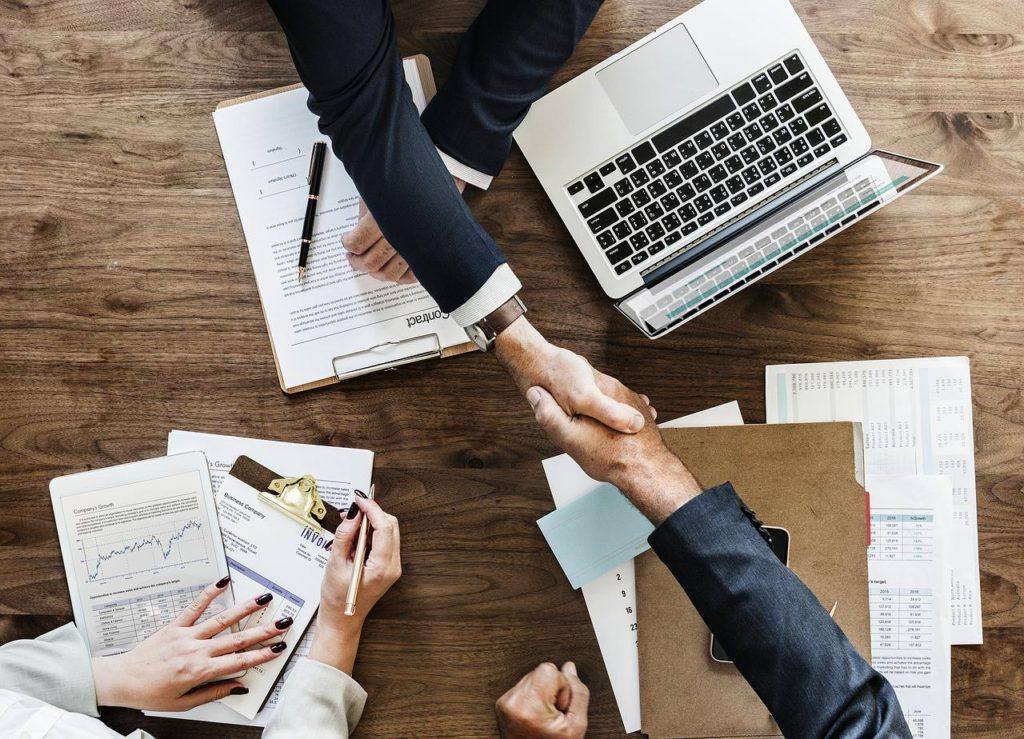 Trouver un client en freelance